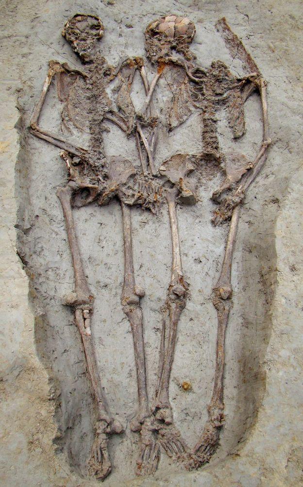 10年前に発掘された遺骨「モデナの恋人たち」がどちらも男性と判明の画像 2/3