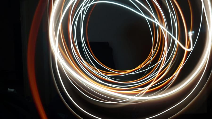 光がとんでもない経路を通ることが3重スリット実験で実証される