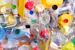 プラスチック界最強のポリウレタンを分解できる「新種バクテリア」が発見されるの画像 1/3