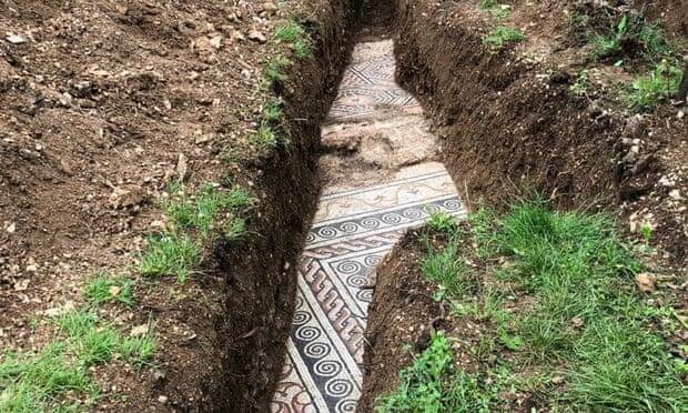 ブドウ畑の下から紀元1世紀の古代ローマ遺跡が発見される(イタリア)