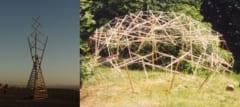 (左)テンセグリティ構造を含むアート彫刻、(右)ナイロン糸と杭で作られたテンセグリティドーム/
