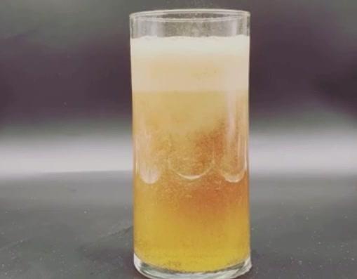 禁断の醸造、ビールにしか見えない化学反応!?