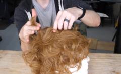 髪を自動で切ってくれるロボットを作った結果、「予想外の髪型」に…の画像 4/11