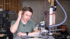 髪を自動で切ってくれるロボットを作った結果、「予想外の髪型」に…の画像 10/11