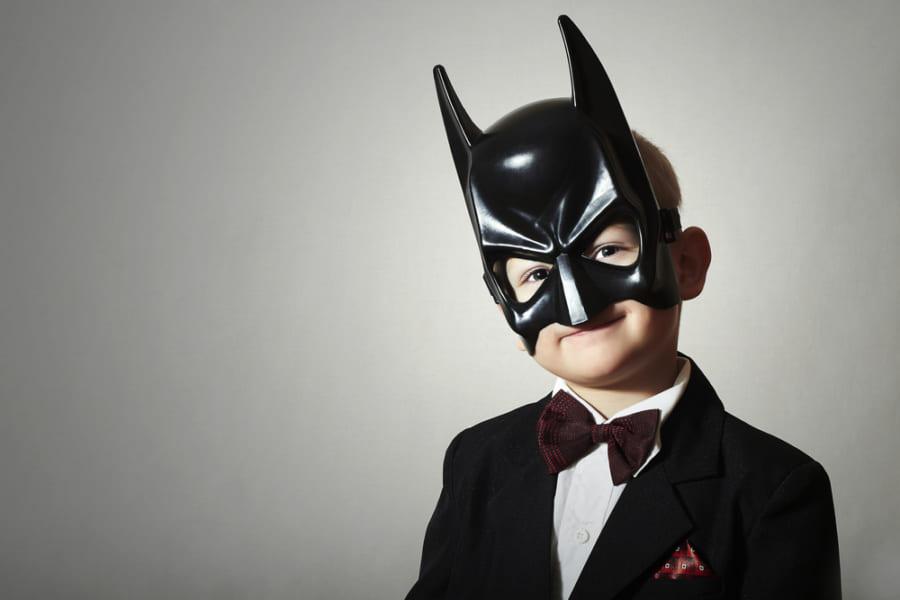 """子どもは""""なりきりヒーロー""""で集中力が高まると判明!「バットマン効果」とは?"""