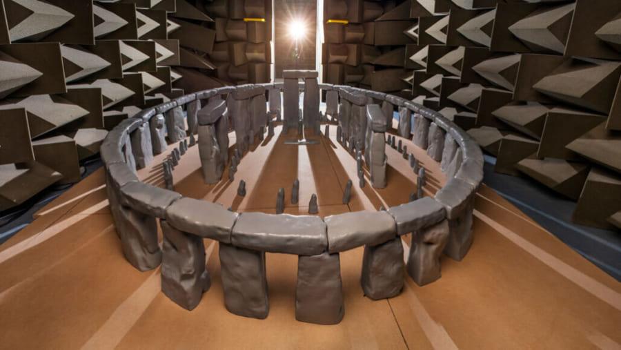 ストーンヘンジの巨石は、音の「残響効果」が生じるよう配置されていたと判明!儀式の雰囲気をより神秘的に…