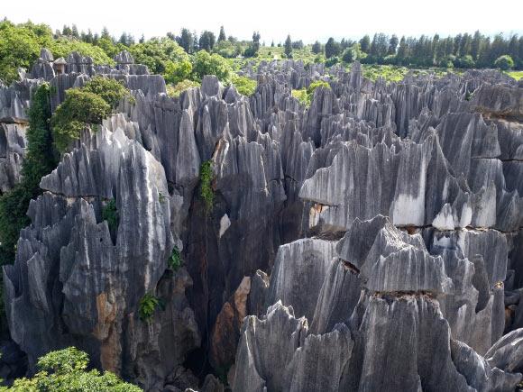 中国の「石の森」ができるメカニズムをついに解明か。石柱の先が尖る理由とは?の画像 1/3