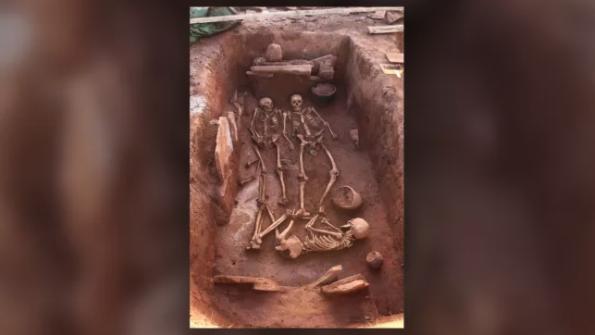 """シベリアで「2500年前の戦士」の遺骨が出土!同じ墓地に""""老女と乳児""""の骨も発見"""