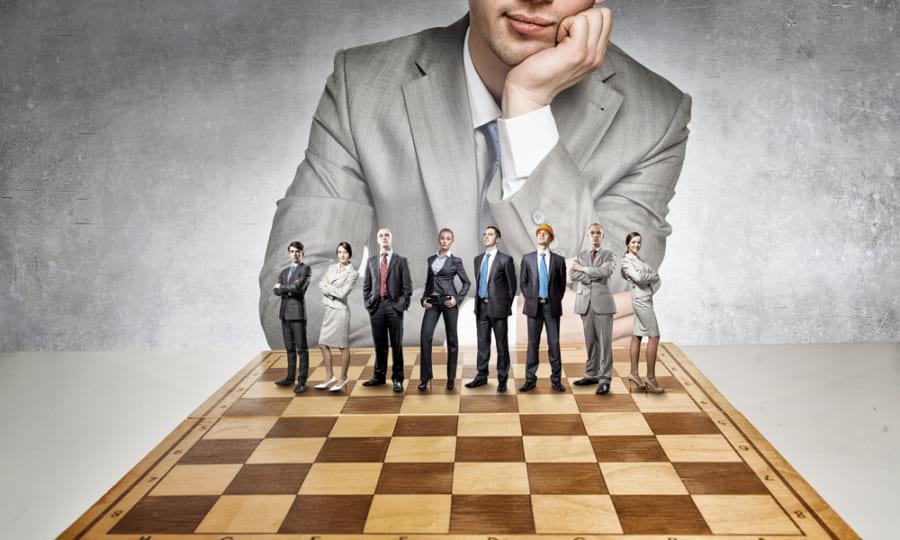 適切な判断にはチェスより広範な知識と経験が求められる