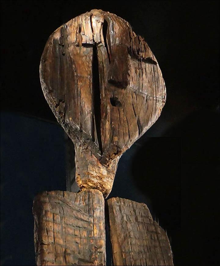 ビーバーの石器は顔の模様を彫るのに使われた可能性