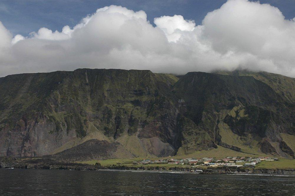 島唯一の集落「エディンバラ・オブ・ザ・セブン・シーズ」