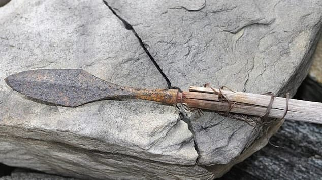 閉ざされた氷の中から6000年前の「古代の矢」が68本も発見される(ノルウェー)