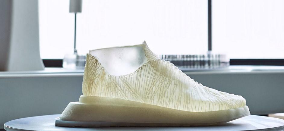微生物織りで作られた靴