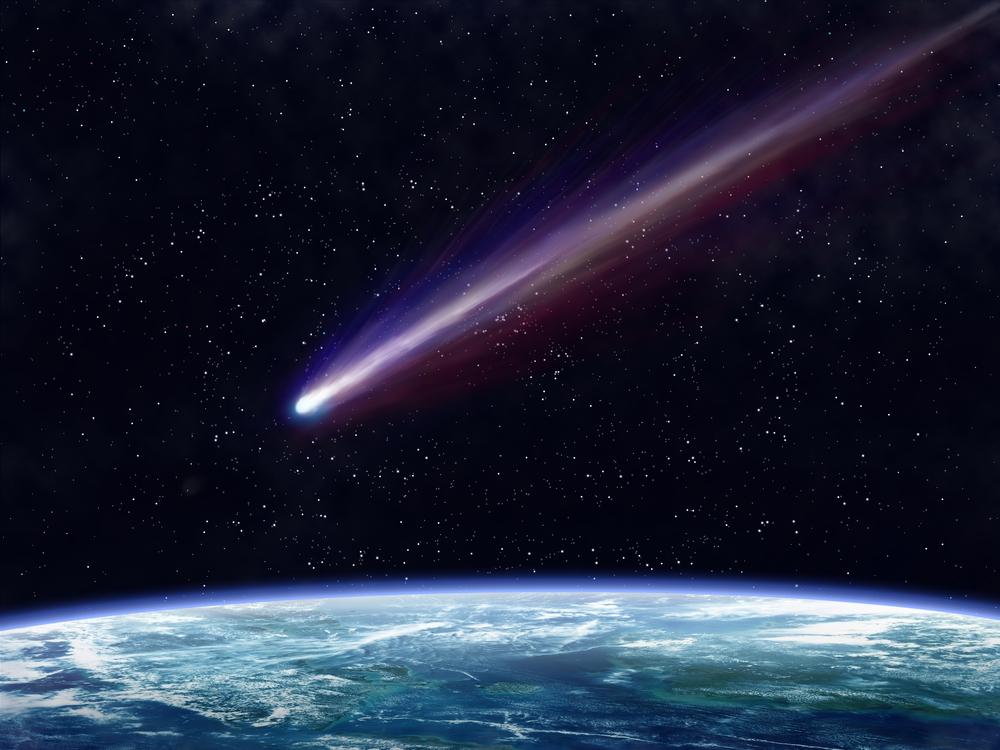 宇宙で形成された有機分子は彗星で惑星へ運ばれてくる。