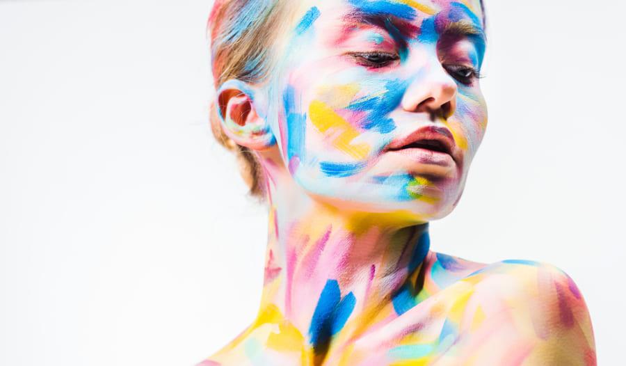 人の顔とアート作品の「美しさ」を脳は別々の部位で感じていた!? 性的な美と社会的な美の違い