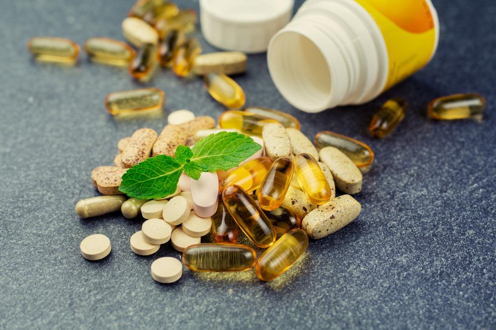 さまざまな栄養素のビタミン剤。