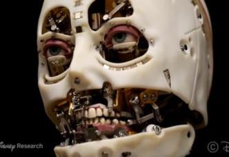 リアルな目の動きをもつロボット