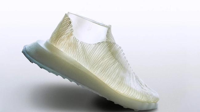 微生物織りで作った靴「This is Grown」