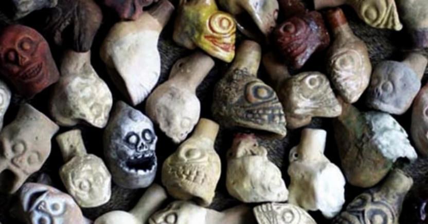 死者の叫びを奏でるアステカ文明の「死の笛」とは?