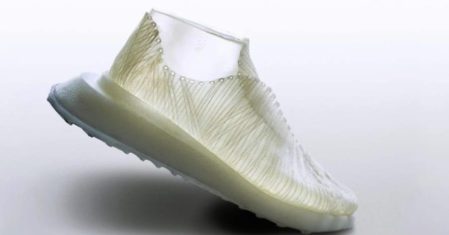 バクテリアが作る靴!? 地球にやさしい「微生物織り」で新材料を生み出す技術