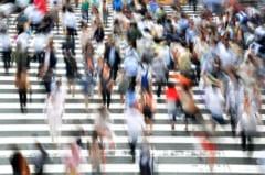 日本では交際に興味を持たない人の割合は増えている。