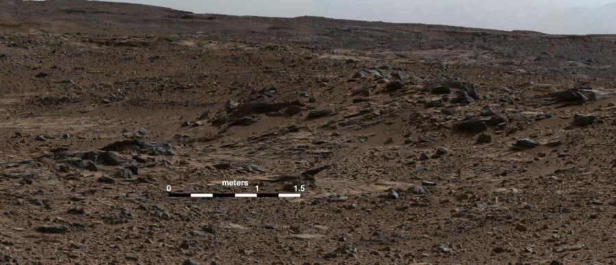 火星ゲイルクレーターにある荒野。地球の乾燥した砂漠と地下の土壌構成が近いかもしれない。