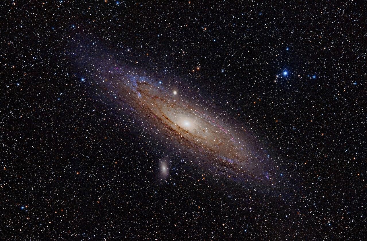 M31: アンドロメダ銀河。