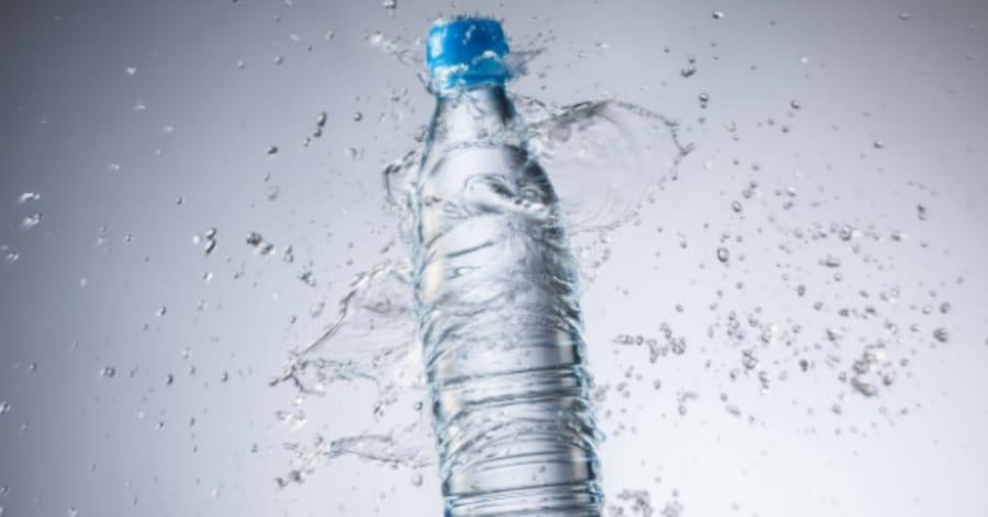 メタボリックシンドロームは「水を飲むだけ」で、予防できるかもしれない