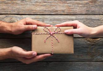 贈り物をした時の喜びは貰う時よりも継続する