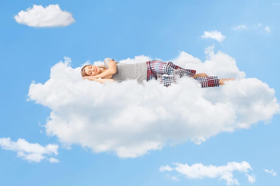 生き物はなぜ眠るの? 「夢を見る」理由って知っていますか?