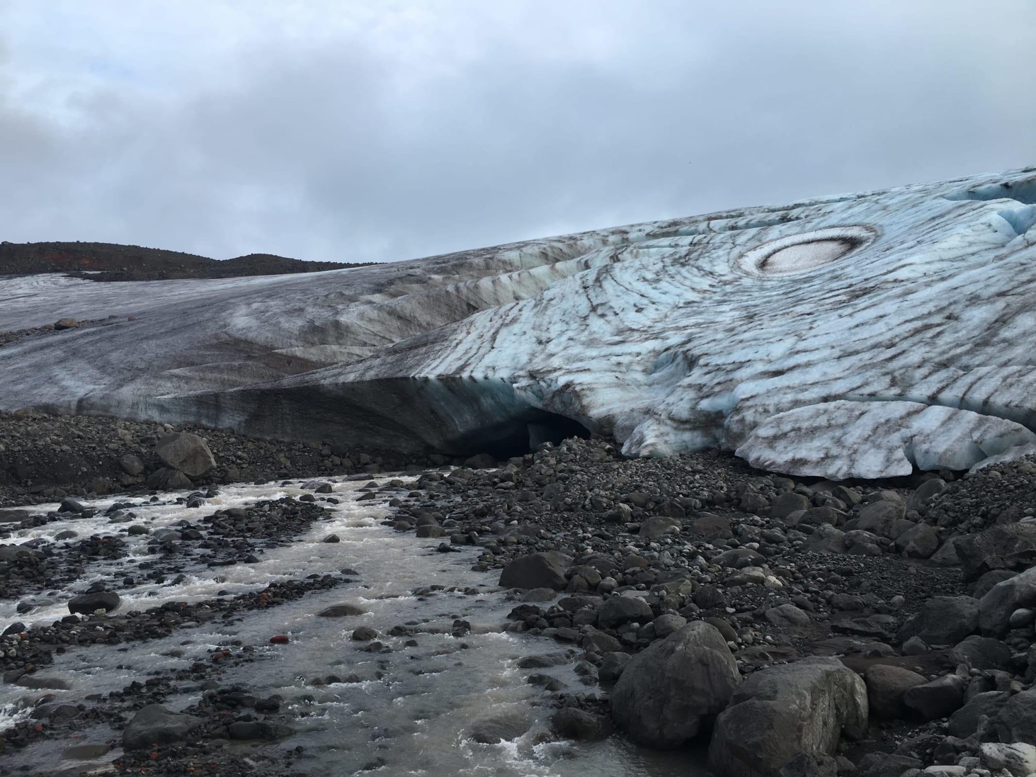 研究チームの撮影したアイスランドの氷河。