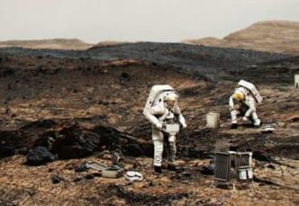人類が火星に行き、安全に帰ってくるには?