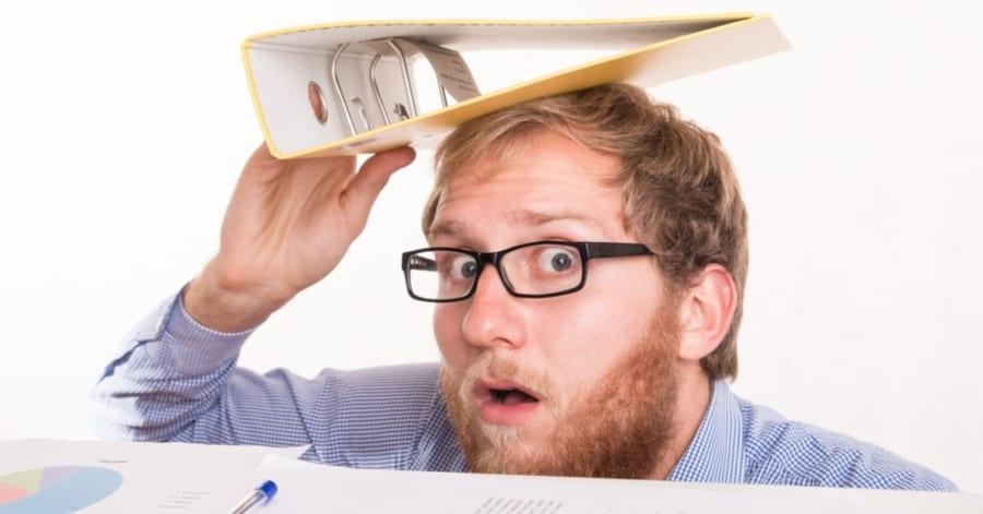 「メガネ、メガネ…」置いた物の場所を思い出す「探し物細胞」が発見される!
