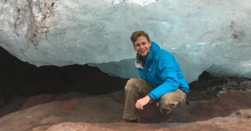 太陽光も酸素もいらない。「水素ガス」から栄養をつくる微生物が氷河の下で発見される!