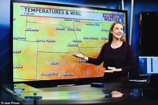 ニュースで気象予報をするケイティさん