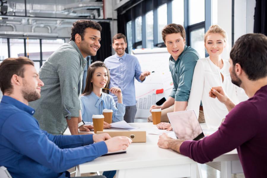 職場での感情ストレスは「深層演技」で軽減できる! その方法とは?
