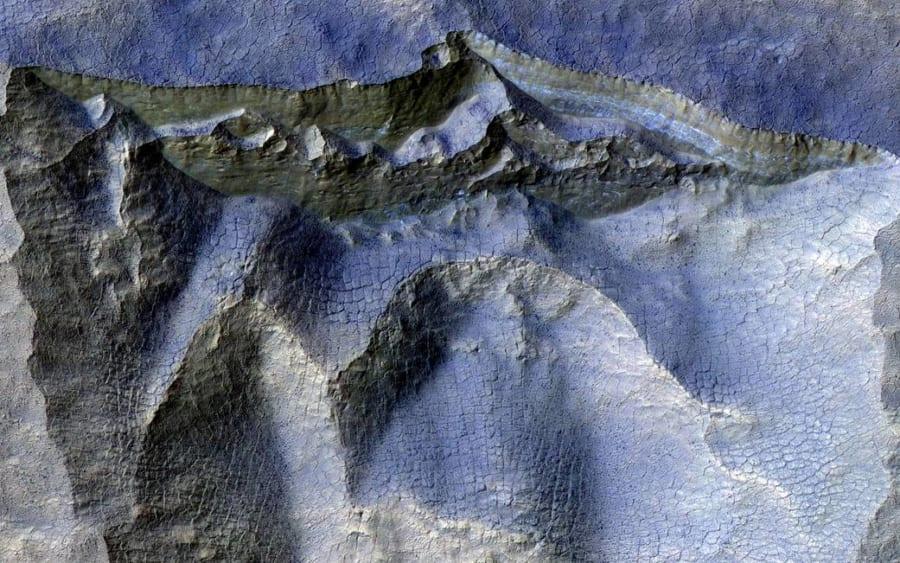 火星にある氷の断崖