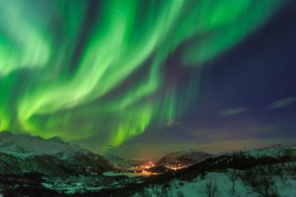 人類も被害者、「地球最後の磁極反転」の詳細が明らかに 世界中の空を雷雨とオーロラが覆った!