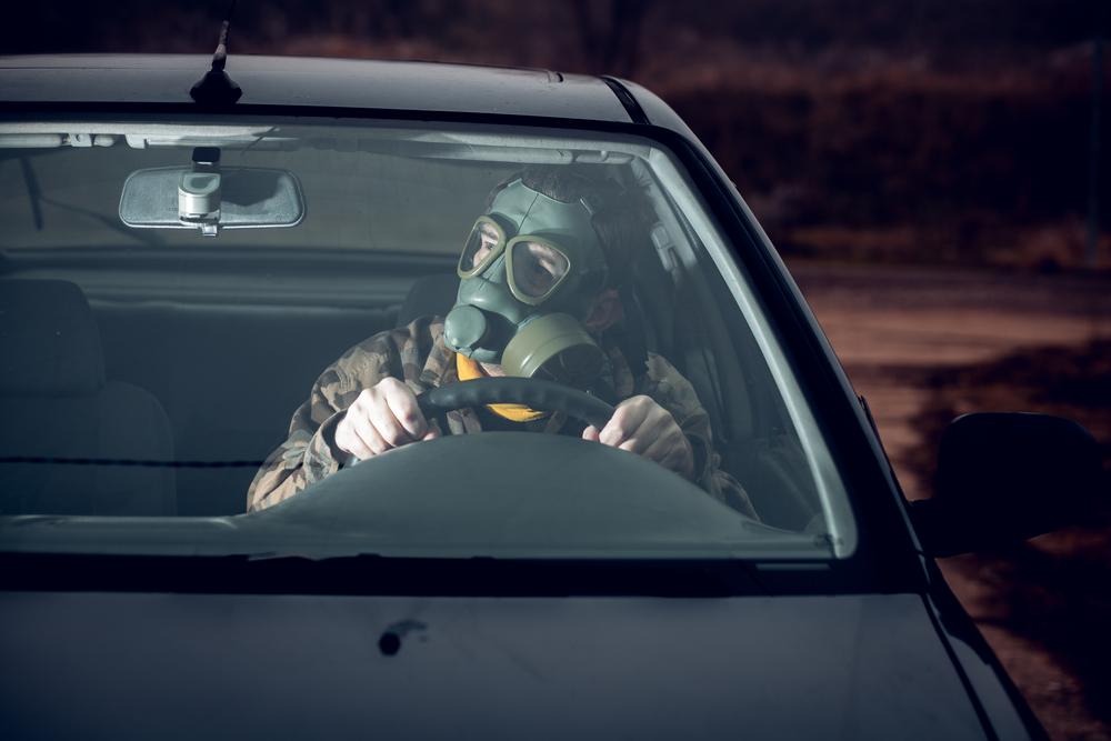 新車のニオイには発がん物質が含まれていた