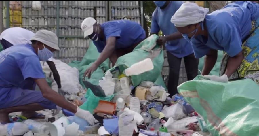 ナイロビのプラスチック廃棄物