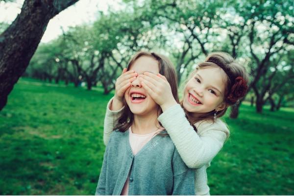 女子の場合、物理的な接触もメンタルヘルスの維持に重要な可能性がある。
