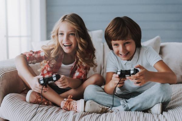 男子だけがビデオゲームを頻繁に遊ぶとメンタルヘルスが改善されている。