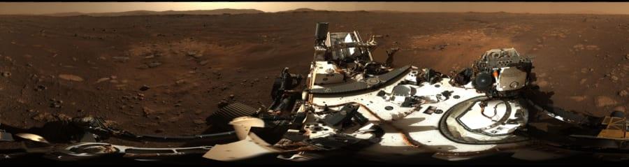 パーサヴィアランスが撮影した火星のパノラマ画像。