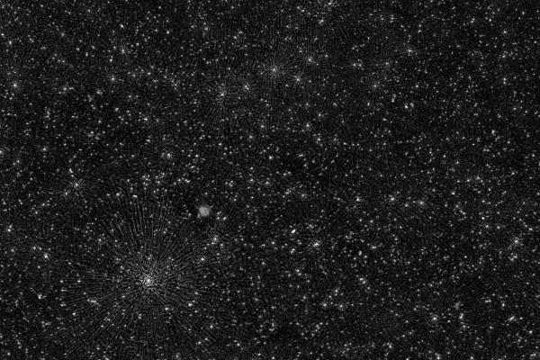 満天の星!? 2万5千以上の超大質量ブラックホールを写した画像を公開