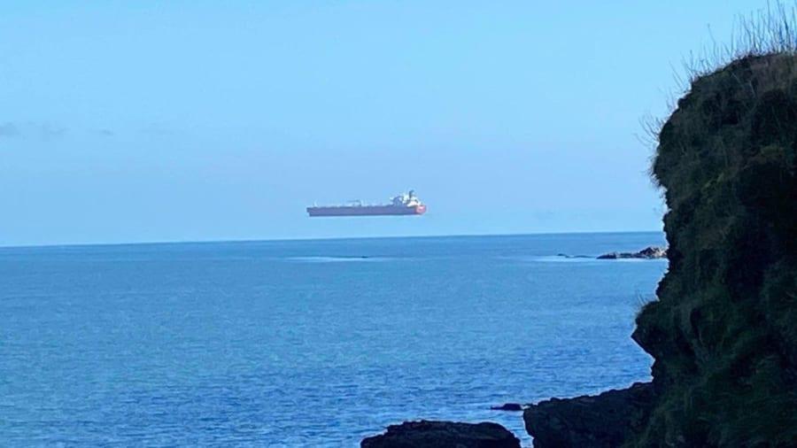 ファルマス沿岸で撮影された光景