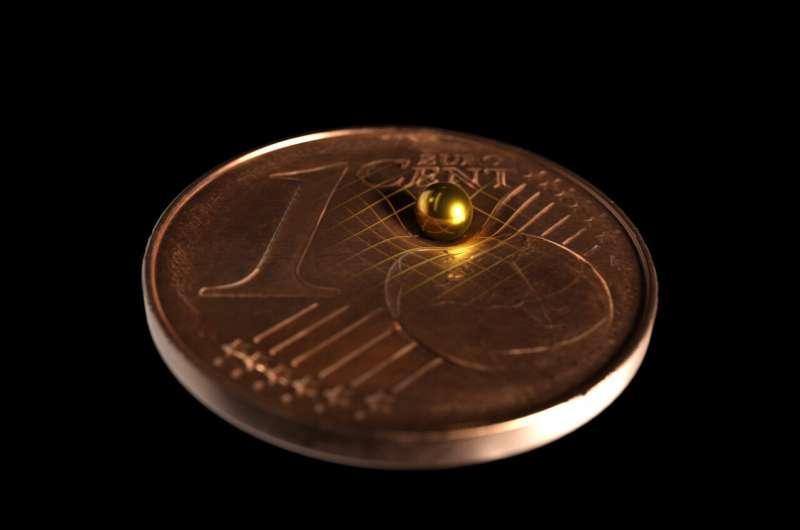これまでで「最小の重力場」を測定成功! 量子力学と古典力学の境界線を決める研究