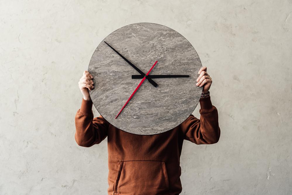 自殺を考える人は「時間感覚」が遅くなっていた
