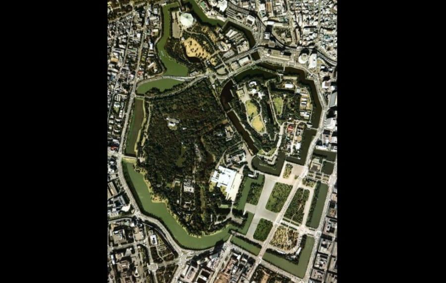 1979年に撮影された皇居周辺の航空写真。