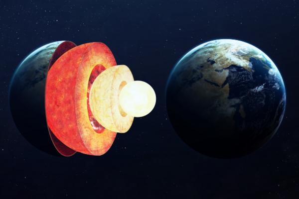 地球の中心には鉄とニッケルのコアがあるが。それはさらなる未知の層に分かれている。