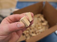 建設の材料となる木片